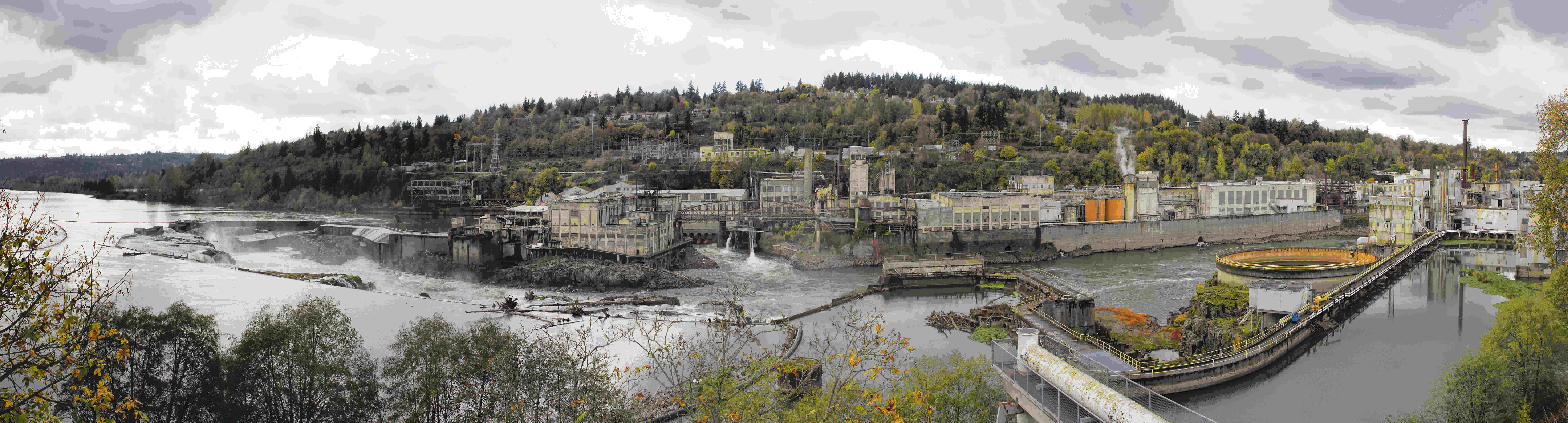 Hydro Power Plant at Willamette Falls Lock in Oregon City at Fall Season Panorama